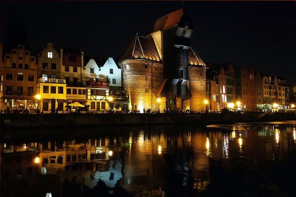 Night lights in Gdansk by MAK54