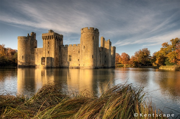 \'Forever Autumn\' - Bodiam Castle. by Sezz