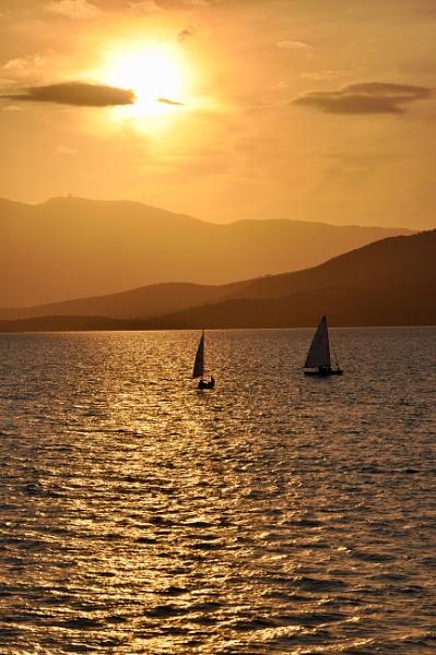 Sunset sail by Rapido57