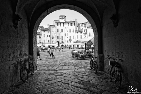 Piazza Dell\'Anfiteatro by JKS
