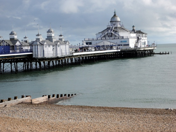 Eastbourne pier by dave53stamm