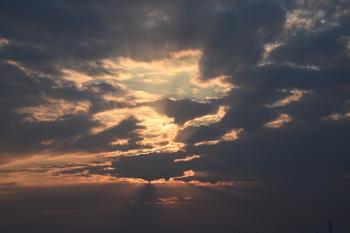 Clouded light