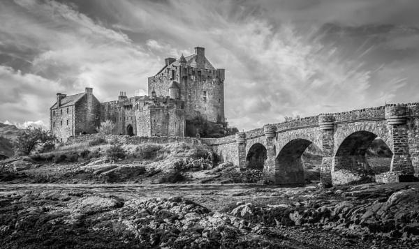 Eilean donan Castle by Billdad