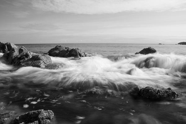 Crashing Waves by Dxwnstxr