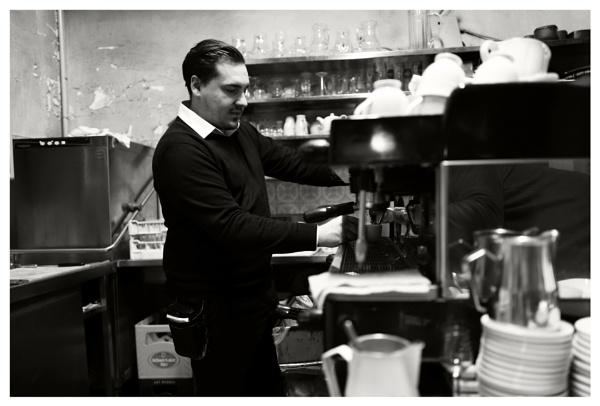 Herr Daniel.... the waiter (Part II) by bliba