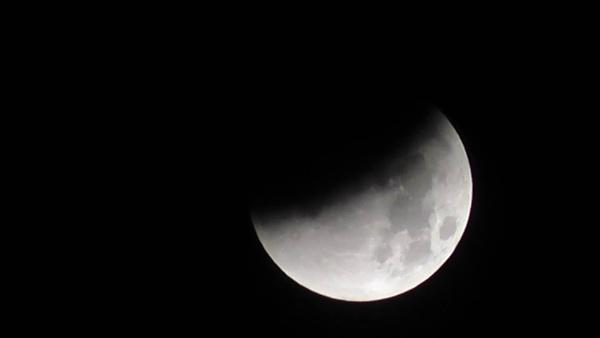 Lunar eclipse 2015 by Picturedude113