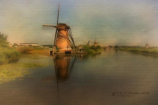 Kinderdijk Mills by colijohn