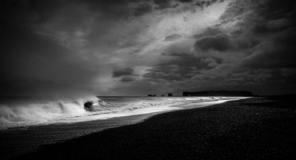 Vik black sand beach by Derek897