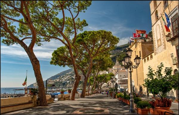 Down to Amalfi by rickie