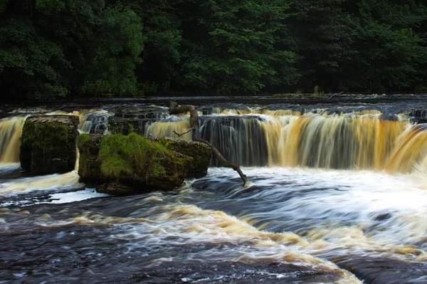 Aysgarth falls by Skinwalker
