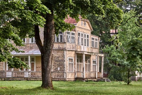 Wooden villa in Druskininkai. V. Krėvės str. by LotaLota