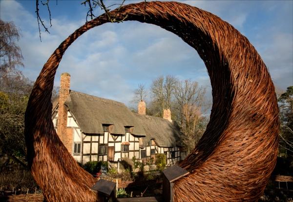 Anne Hathaway\'s cottage by rambler
