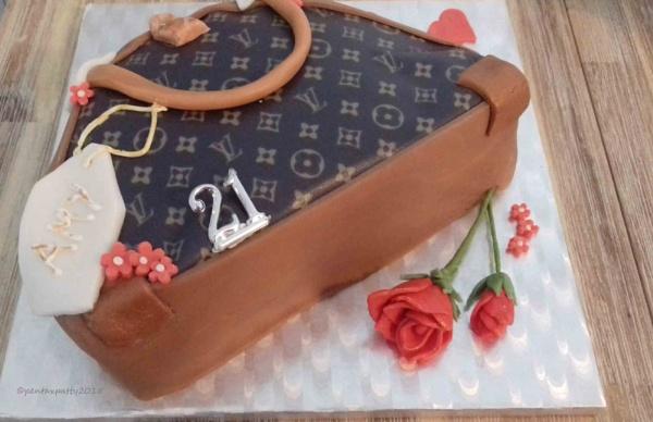Louis Vuitton Handbag cake! by pentaxpatty