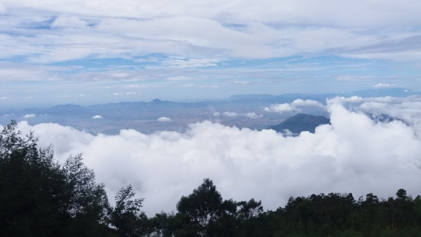#CloudsOvertheMountains by aLiz