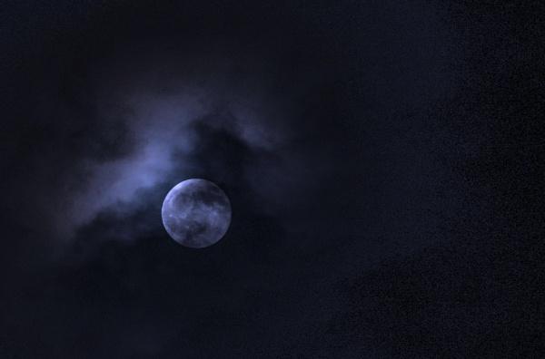 Moon last night by deavilin