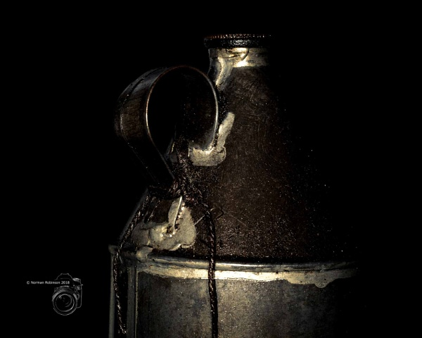 Old Oil Can by Normanr