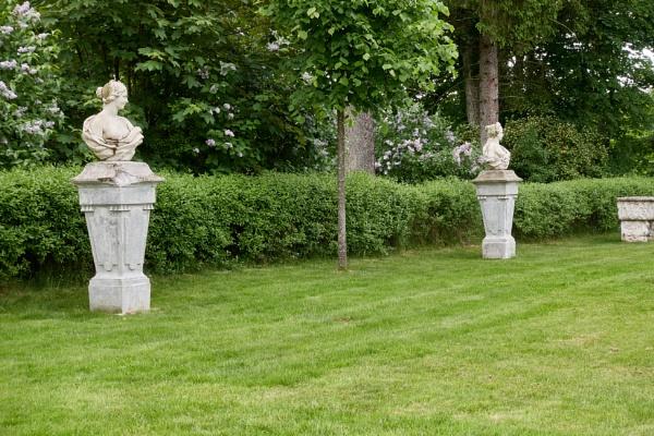 Uzutrakis manor park sculptures by LotaLota