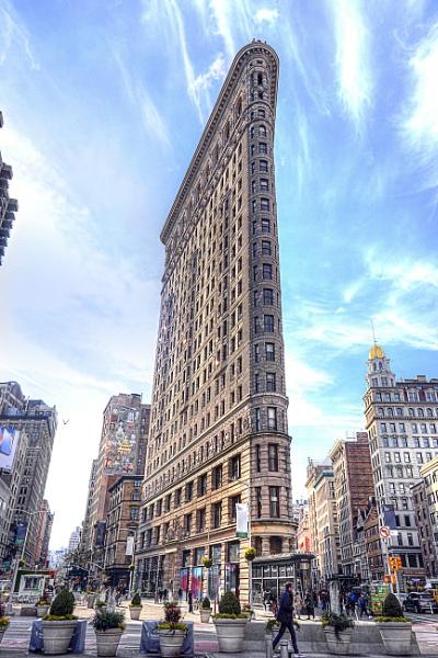 Flatiron building, New York by Ian G W