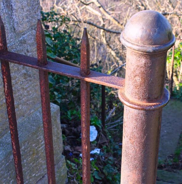 Rusty Fence Post by ddolfelin