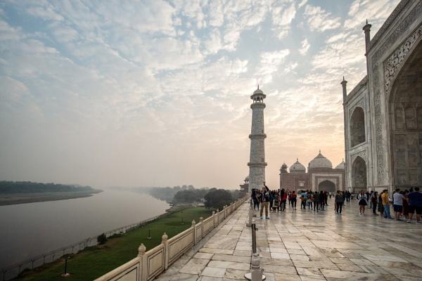 Taj Mahal riverside by suejoh