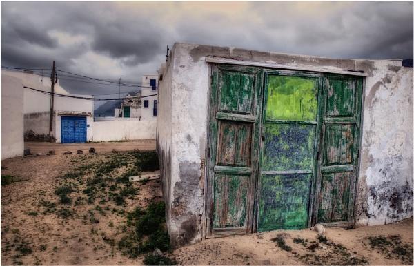 Garage Doors,Lanzarote by BigAlKabMan