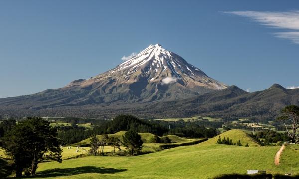 Mt. Taranaki NZ by barryyoungnz