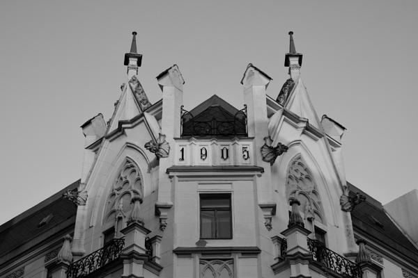 Corner flat with balcony by konig