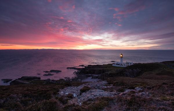 Rubha Reidh Lighthouse by PaulHolloway