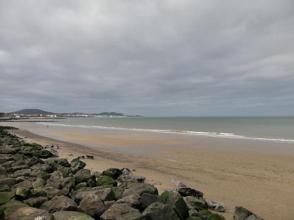 Dull Afternoon on Colwyn Bay Promenade by robredz