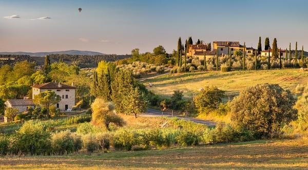 Tuscan Sunrise by Les_Cornwell