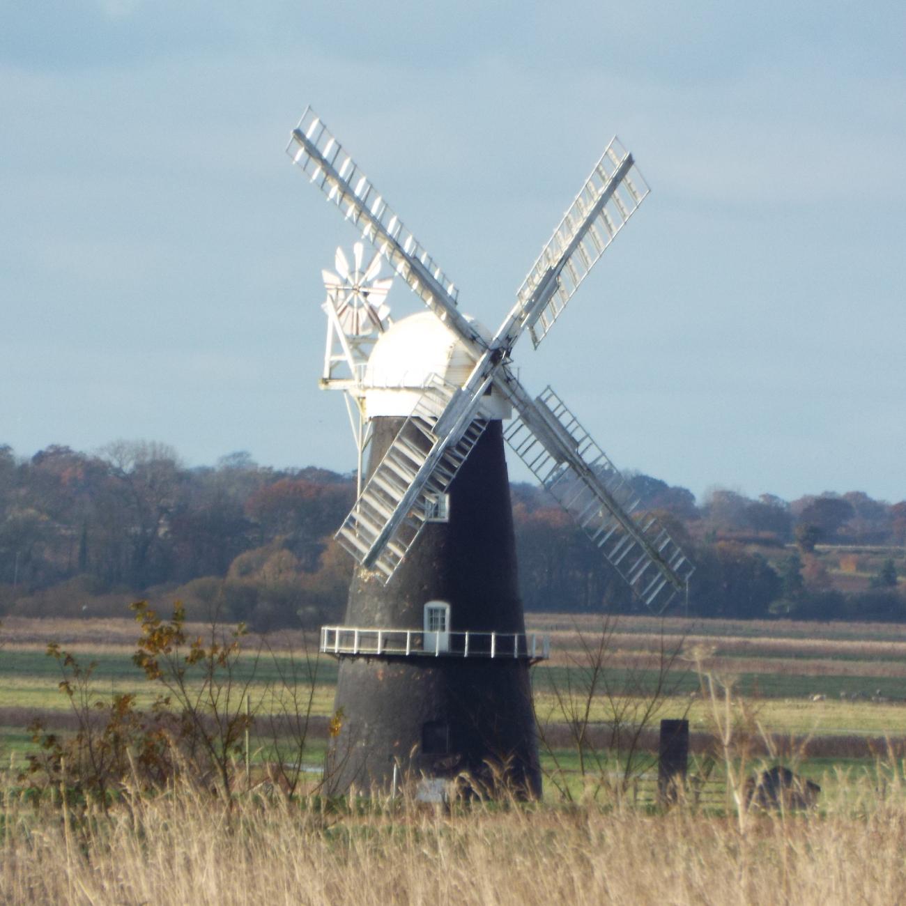 A working windmill