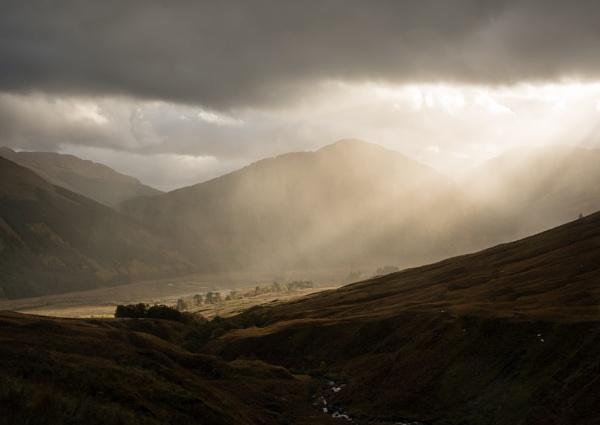 Glen Carnaig by PaulHolloway