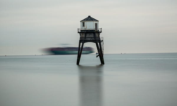 The Lighthouse and the Ship by rontear