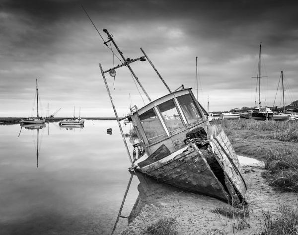 Heswall Wreck II by jasonrwl