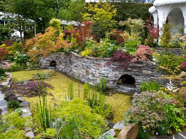 Japanese Garden. by Drighlynne