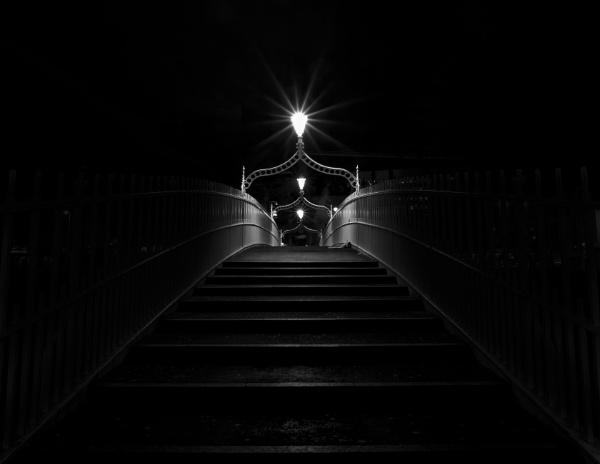 Ha\'penny Bridge by Derek897