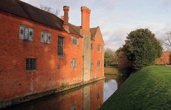 Sunlit Manor House by helenlinda