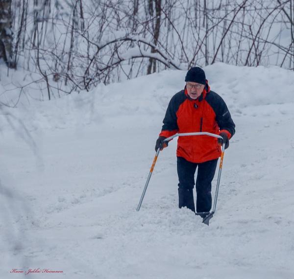 Snow , snow , snow , snow , snow ....... by kuvailija