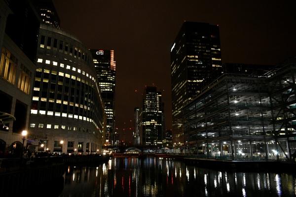 Canary Wharf at night by WereBo