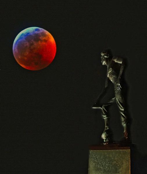 2019 Super Blood Wolf Moon by john_w168