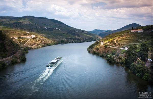Douro Valley by DiazSprite