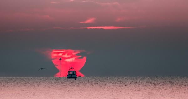 Winter sunrise. by alanb