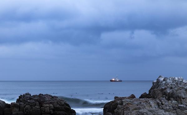 Light @ Sea by pottie