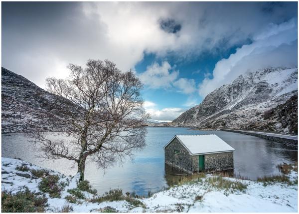 Ogwen Snowfall. by Satlight