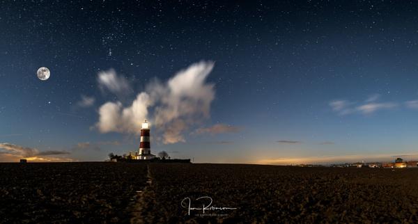 Happisburgh moon and stars by ianrobinson