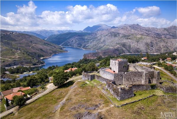 Castle of Lindoso by DiazSprite