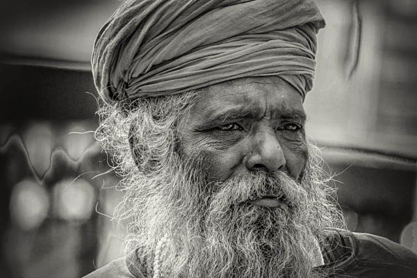 Candid portrait of a pilgrim ... by prabirsenuk