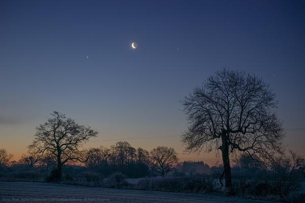 Venus, Moon, Jupiter Conjunction by AntHolloway