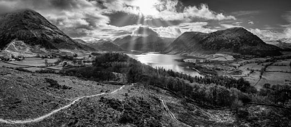 Crummock Water by dunfr