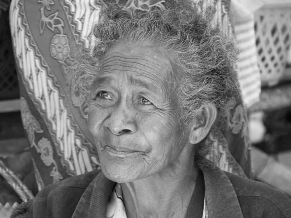 Timorese market lady ... by chrisdunham
